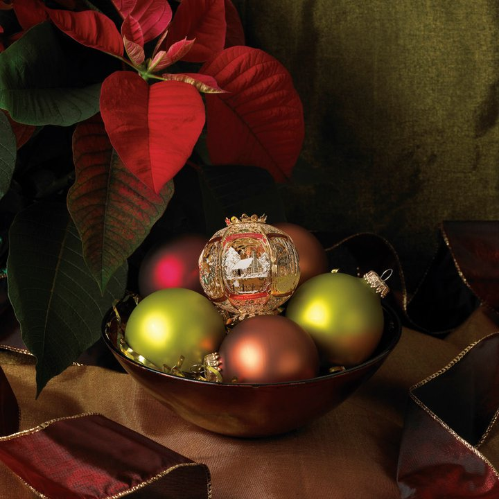 Keeping Christmas All The Year: Keep Your Holiday Spirit All Year
